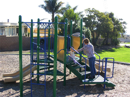 Play structure located within Palisades Park